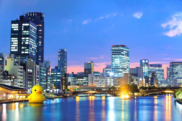 Floating Duck in Osaka by Florentijn Hofman